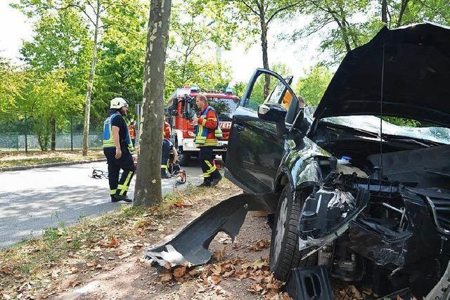 Fahrerin bei Verkehrsunfall schwer verletzt
