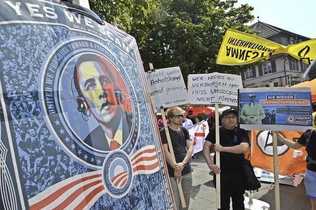 100 Menschen demonstrieren gegen Datenklau