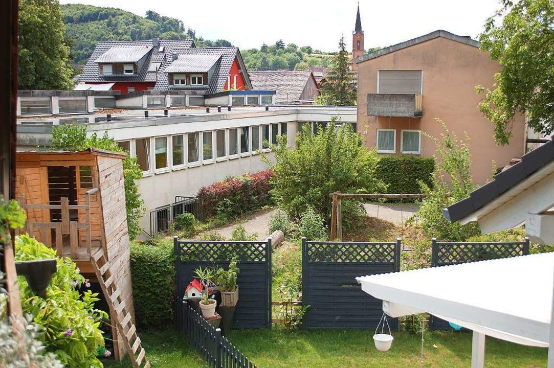 Der ehemalige Kindergarten in Sulz (li...#8211; aber für wie viele Flüchtlinge?    Foto: Ulrike Sträter
