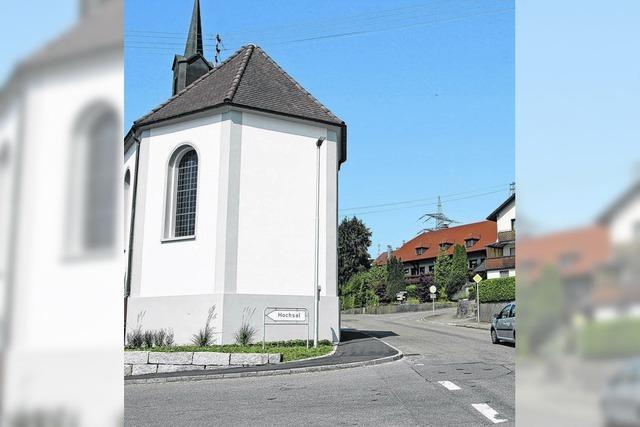 Eine Kapelle nimmt Autofahrern die Sicht