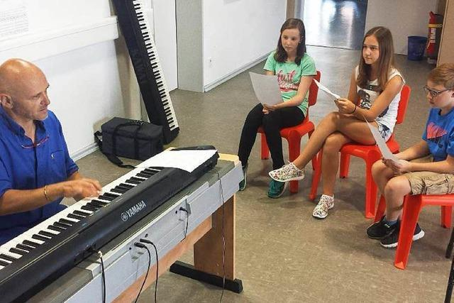 Wie ein Mädchen aus Endingen ihren ersten eigenen Song aufnimmt