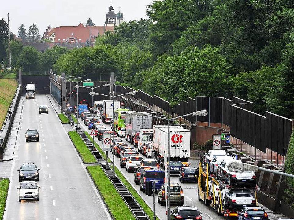 Damit es mit Staus und Lärm vorbei ist...öglich der Stadttunnel gebaut werden.   | Foto: Thomas Kunz