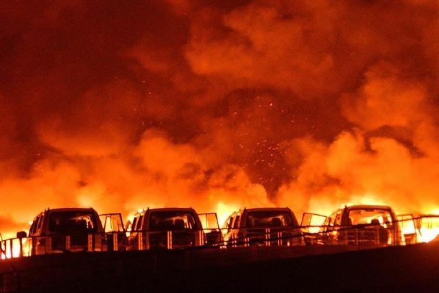 Explosionen töten 50 Menschen in Tianjin