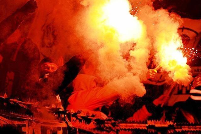 Stadionverbote für Fußballfans: Kriminelle Klientel?