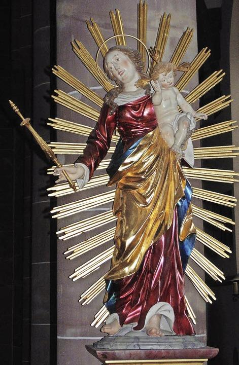 Ein Blickfang in der Pfarrkirche: die Madonna im Strahlenkranz   | Foto: MichaelGottstein