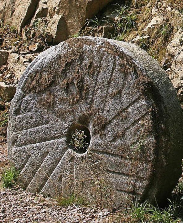 Ein alter Mühlstein aus der Stegmühle  | Foto: Marlies Jung-Knoblich