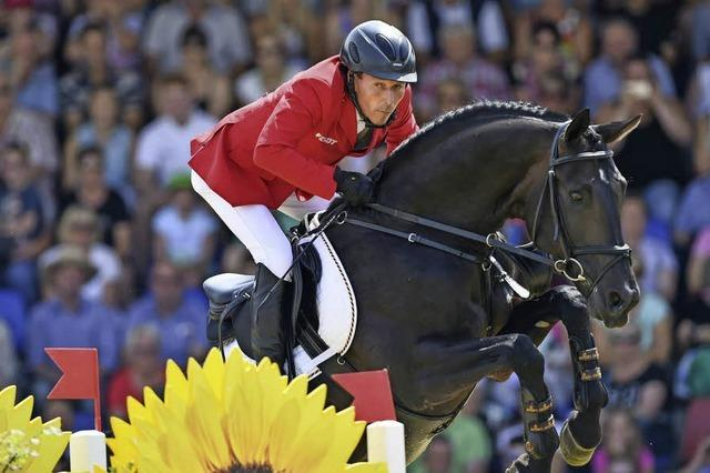 Kurpark wird zum Reitstadion - Springturnier mit 1200 Pferden
