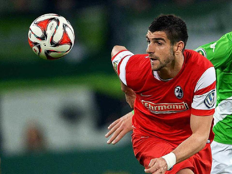 Stefan Mitrovic spielt wohl bald in Belgien.  | Foto: dpa