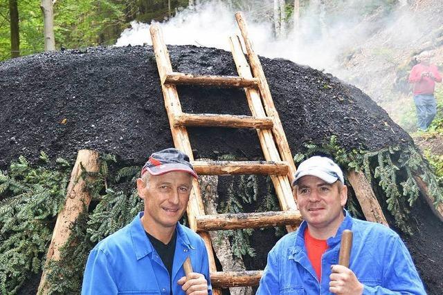 Rauchzeichen am Bergwerk
