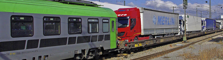 Der Begleitwagen (links) muss immer hi...t noch in Weil gedreht werden müssen.     Foto: ReiSSmann