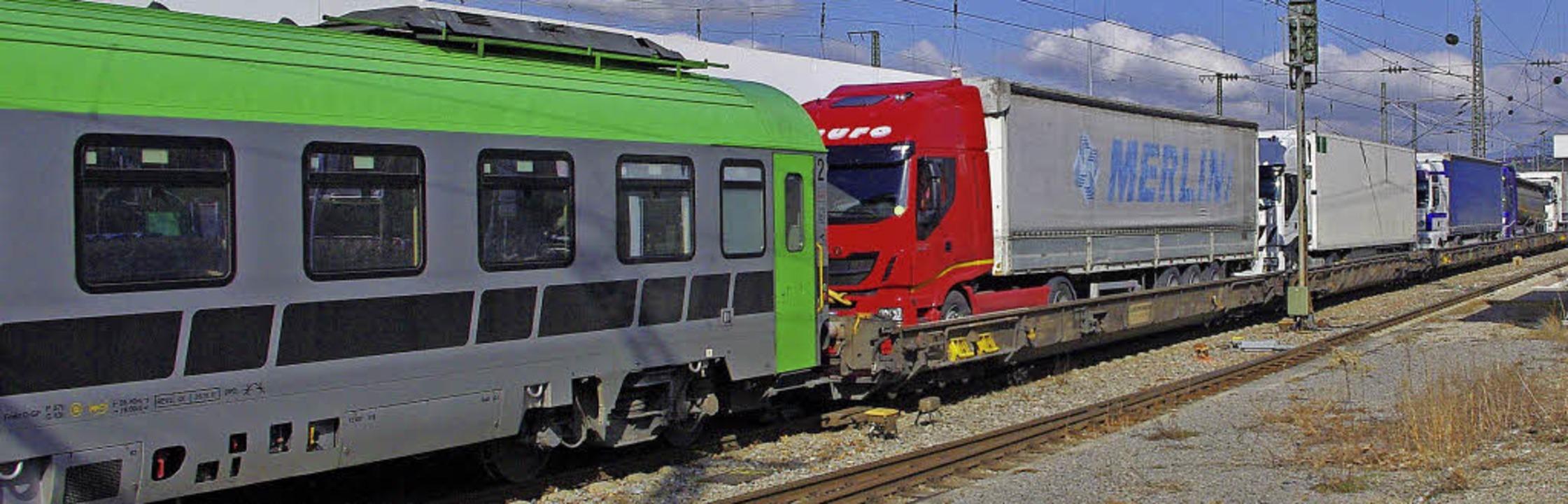 Der Begleitwagen (links) muss immer hi...t noch in Weil gedreht werden müssen.     Foto: Reißmann