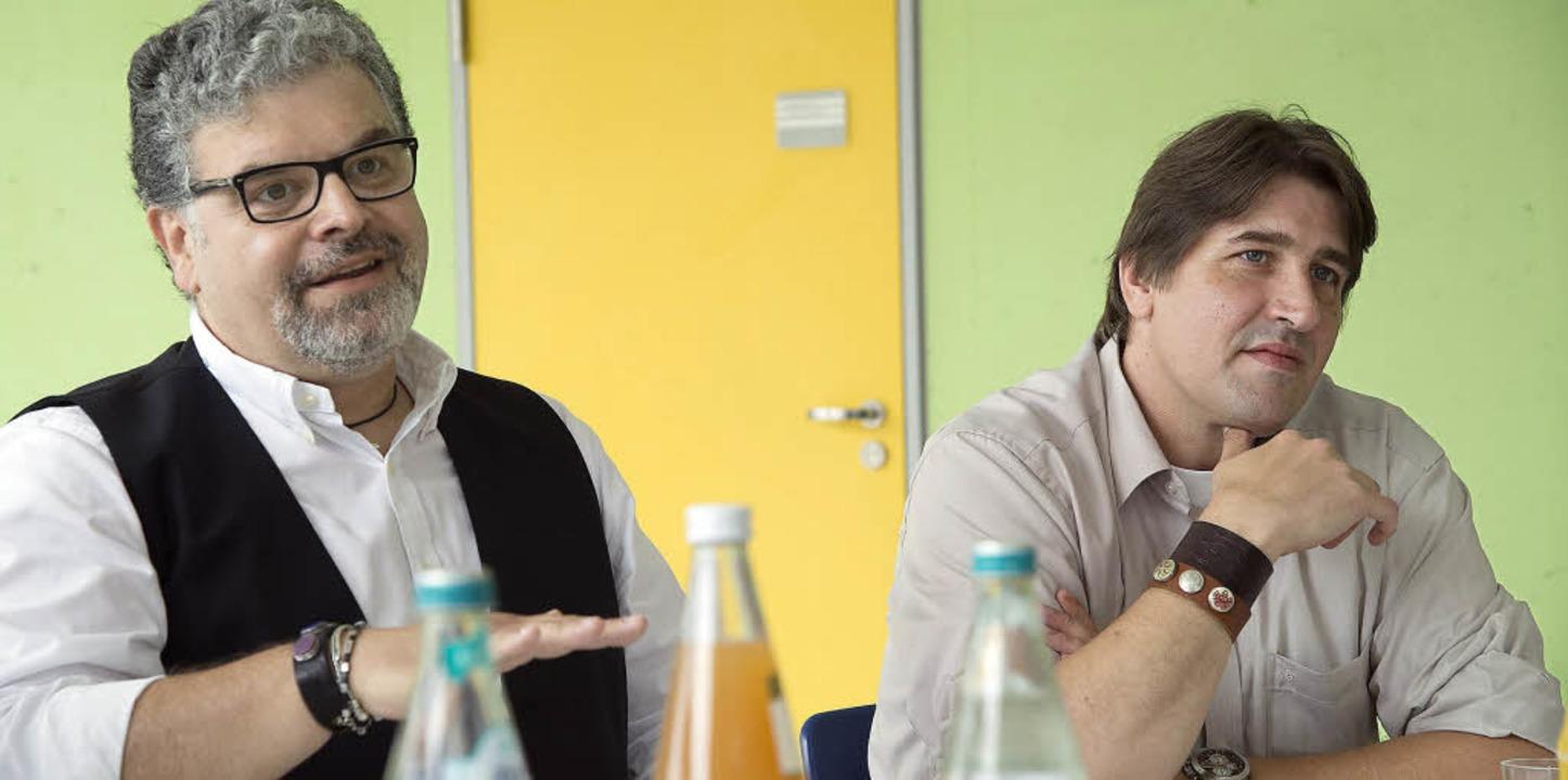 Fachleute in Sachen Gewalt stoppen: Armin Schneider (links) und Lutz Güldenberg  | Foto: Volker Münch