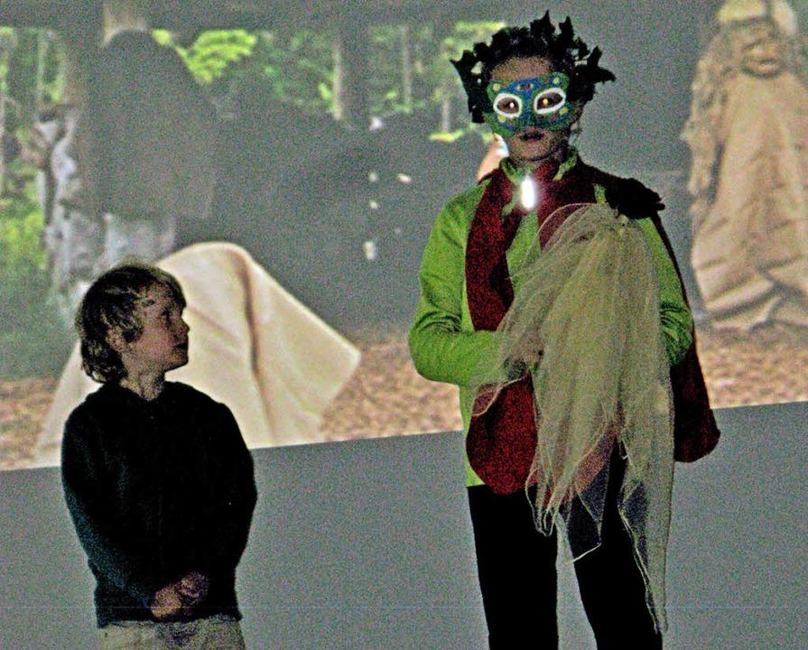 Mit Bildern, Kostümen und Musik ließ d...n Zauberwald auf der Bühne entstehen.   | Foto: Ulrike Spiegelhalter