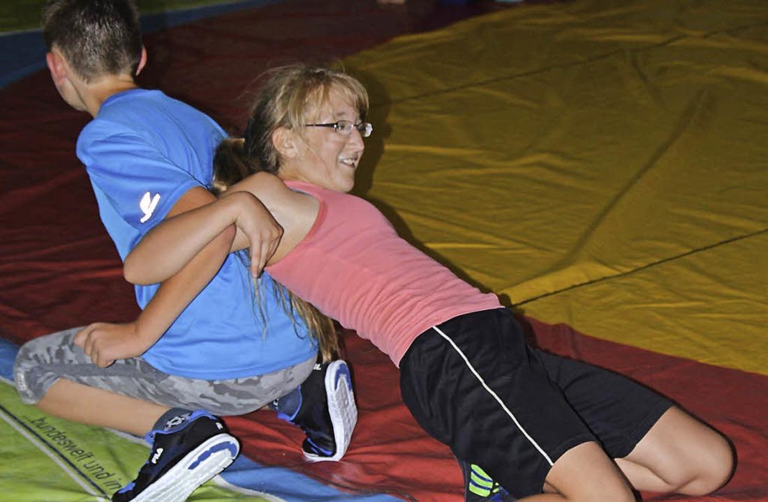 Den Ringersport konnten Kinder beim Ferienprogramm in Maulburg kennenlernen.   | Foto: Georg Diehl