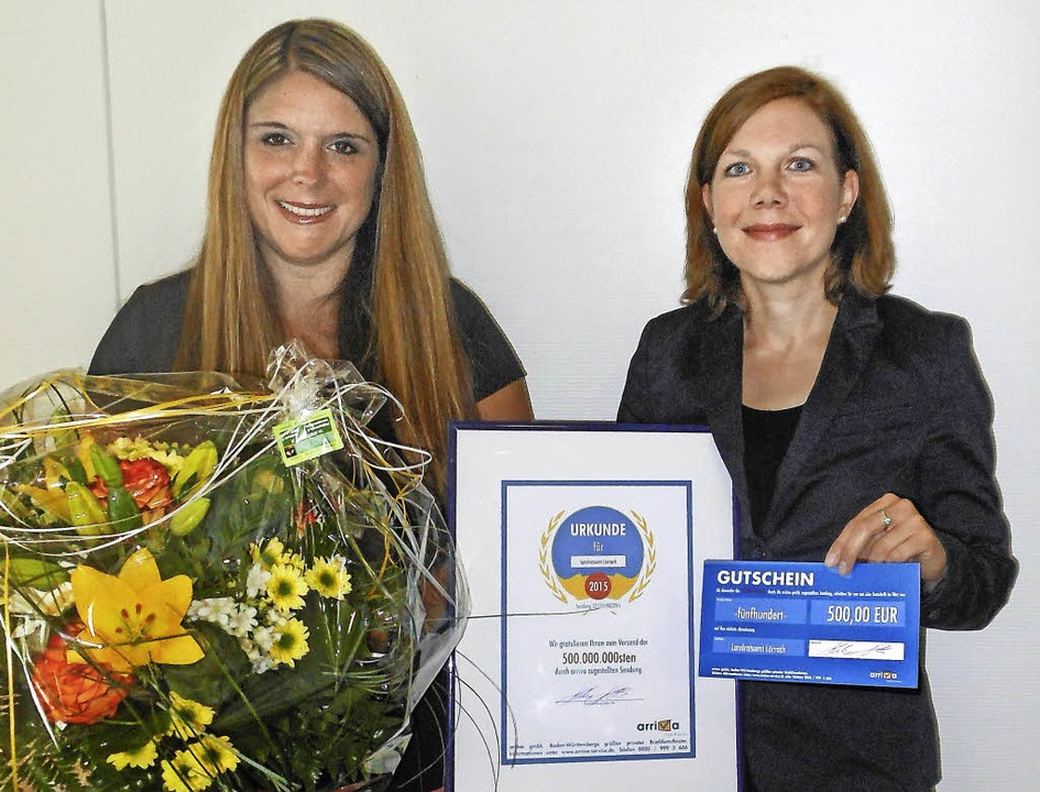 Blumen zur Feier des Tages: Sandra Cli... Leiterin des Arriva-Tendermanagements  | Foto: Arriva