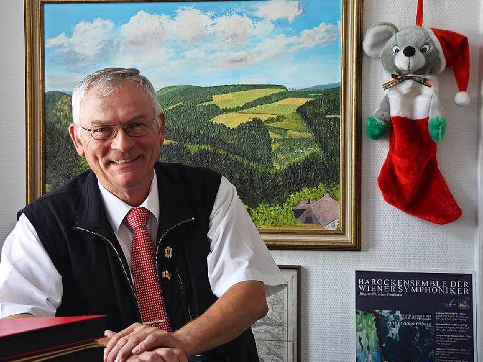Findet, dass er das Bundesverdienstkre...Tribergs Bürgermeister Gallus Strobel.  | Foto: Dominik Bloedner