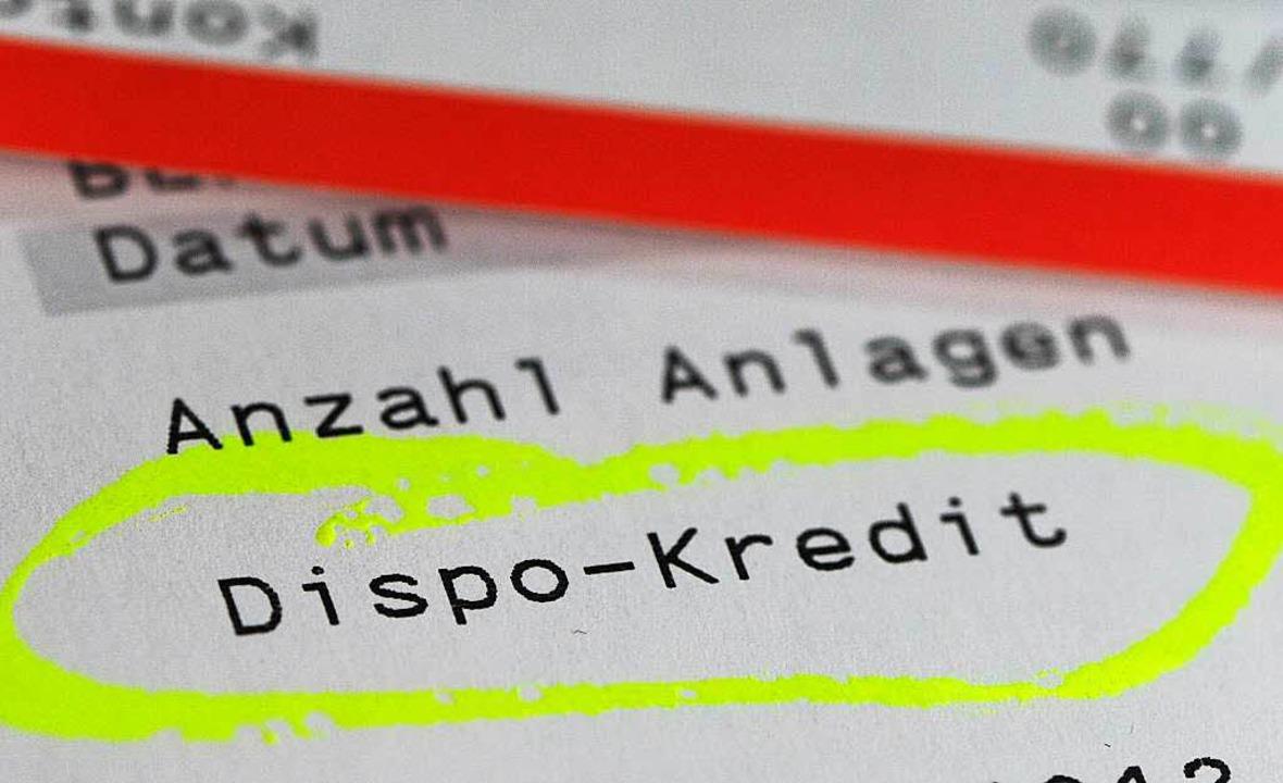Wie hoch sind die Dispozinsen? Diese A...schleiern Banken und Sparkassen gerne.  | Foto: dpa