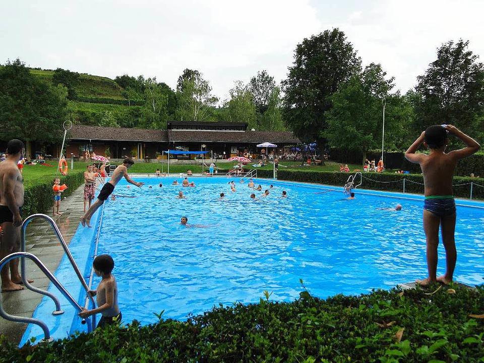 Das Schwimmbad in Oberrotweil    Foto: Elisabeth Saller