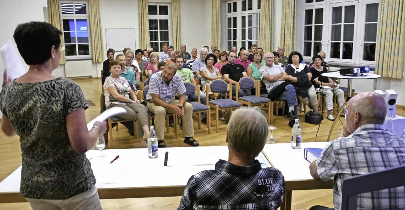 Sogar mit Musterbriefen für Einwendung...el Willmann) am Montagabend aufwarten.  | Foto: Hülter-Hassler