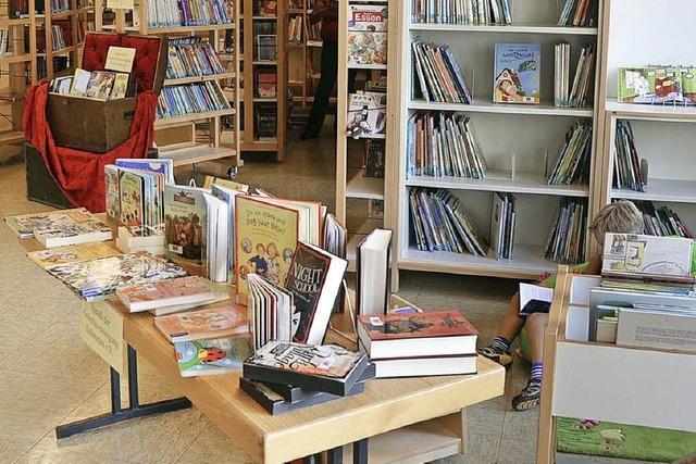 Bücher ausleihen geht auch in den Sommerferien