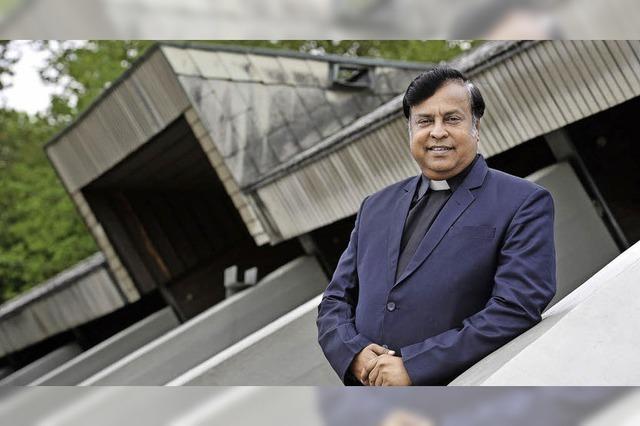 Pater Michael aus Südindien ist als Urlaubsvertretung in St. Andreas