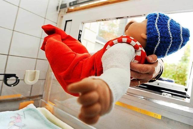 Polizei Karlsruhe sucht Frau, die totes Baby gemeldet hat