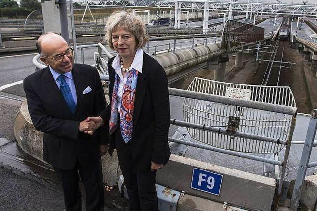 Paris und London rüsten am Ärmelkanal auf