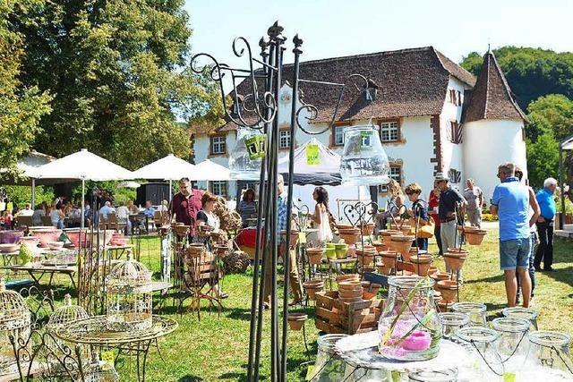 Die Gartenmesse rund ums Wasserschloss ist angelaufen