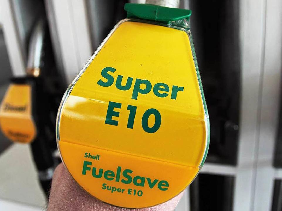 Benzin mit einem Bioethanolanteil gibt...Algen kommen  als Lieferanten infrage.  | Foto: Daniel Karmann