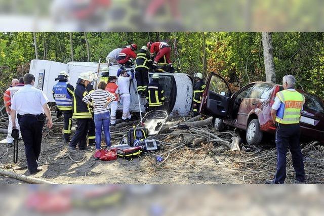 Schwerer Unfall und lange Staus