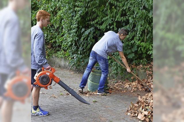 Schüler jobben in den Ferien beim Bauhof