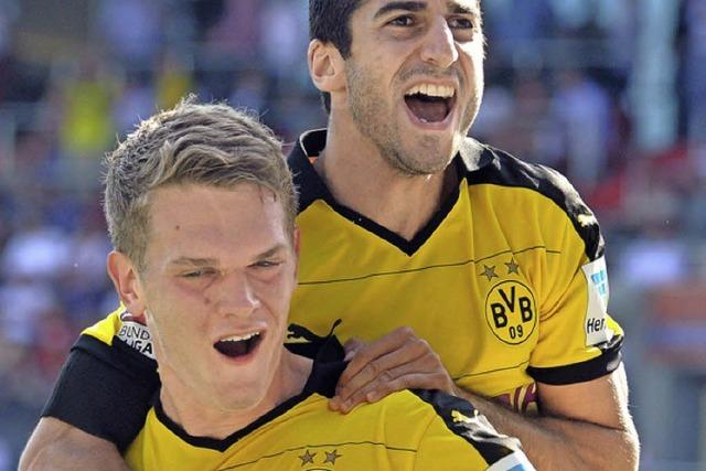 Ginter feiert seinen ersten BVB-Treffer