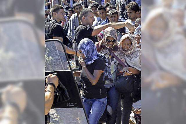 Flüchtlingsstrom staut sich in Serbien