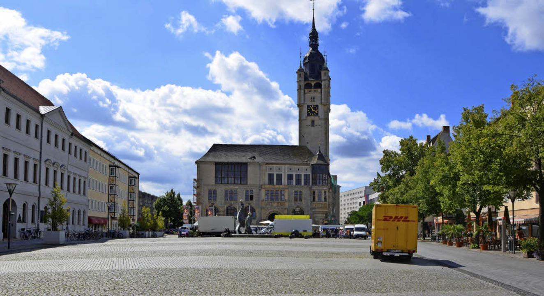 Der Marktplatz von Dessau: Wo einst ge...eiben herrschte, ist heute tote Hose.   | Foto: Martin Herceg
