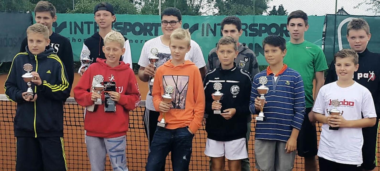 <BZ-FotoAnlauf>Tennis: </BZ-FotoAnlauf...rehrung beim Leistungsklassen-Turnier   | Foto:  Frank Erb