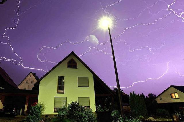 Überspannung: Wie sich ein Haus vor Blitzen schützen lässt