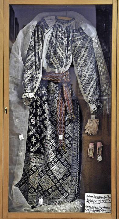 Tracht der Königin Elisabeth von Rumänien, geborene Elisabeth zu Wied.  | Foto: Thomas Kunz