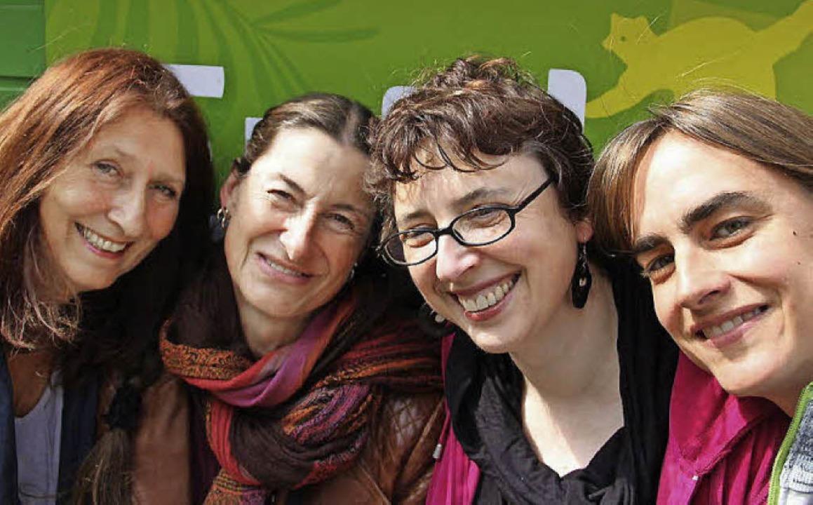 Mechthild Zimmermann, Gina Greifenstei...ks) drehen gemeinsam einen Roadmovie.   | Foto: privat