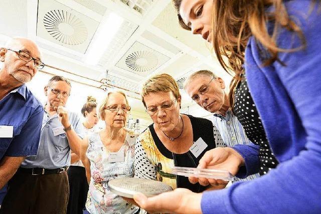 50 BZ-Leser staunen im Fraunhofer-Institut über synthetische Diamanten