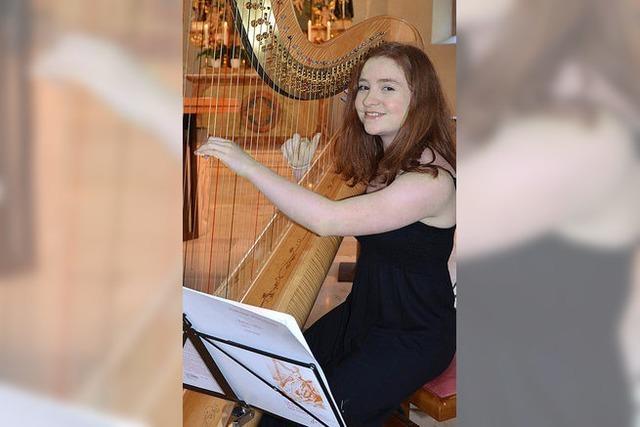 Viel Beifall für junge Harfenistin