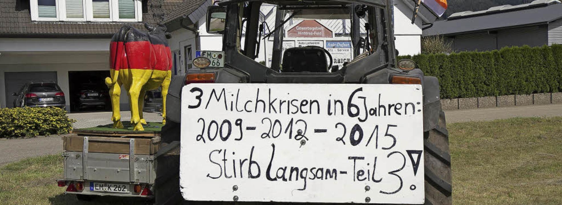 Gut sichtbar an der B 294 bei Niederwi... von Landwirte gegen den  Milchpreis.   | Foto: Daniel Fleig