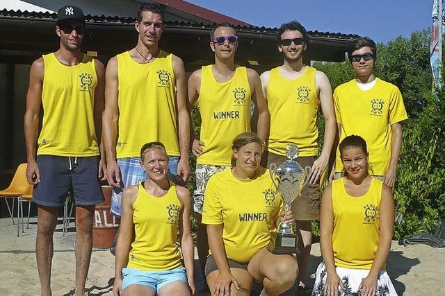 Die Imker sind die besten Beachvolleyballer