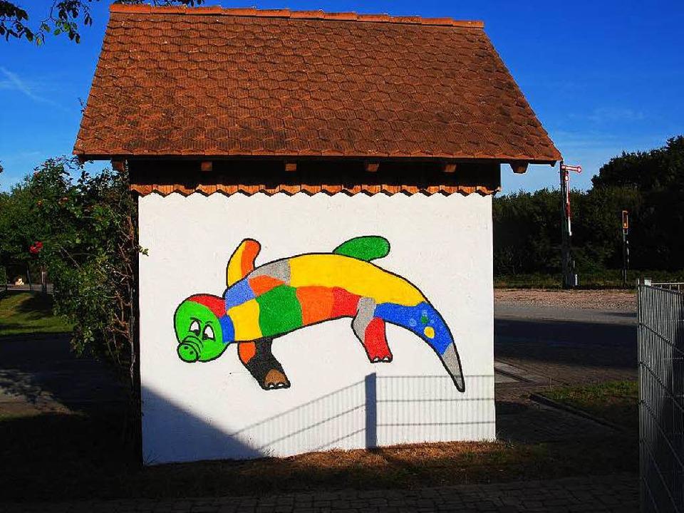 Das kunterbunte Phantasie-Reptil von G...s der Graffitiaktion im Ferienprogramm  | Foto: Manfred Frietsch