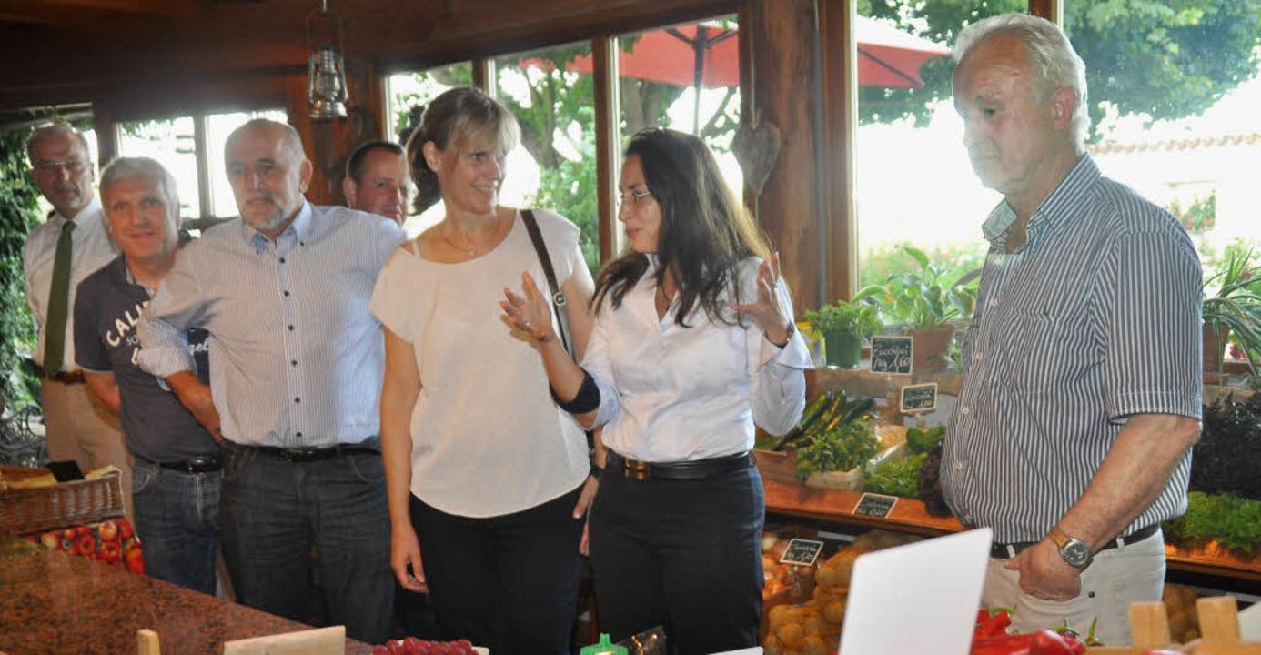 Die SPD-Generalsekretärin Yasmin Fahim...Räpple bei ihrem  Besuch im Hartheim.   | Foto: Steckmeister