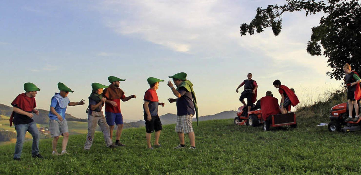 Theater in den Bergen: Des Sheriffs Schergen treffen ein.   | Foto: Erich Krieger