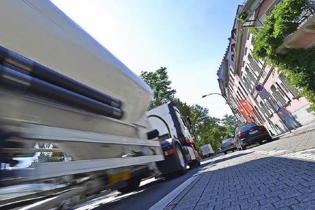 Neuer Protest gegen Lastwagen-Lärm an der B 31