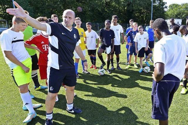 Fußball überwindet Grenzen: Austausch zwischen Freiburg und London