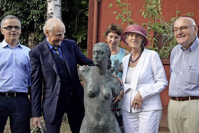 Zum 110. Geburtstag wird eine sechste Skulptur von Kurt Lehmann in Staufen aufgestellt