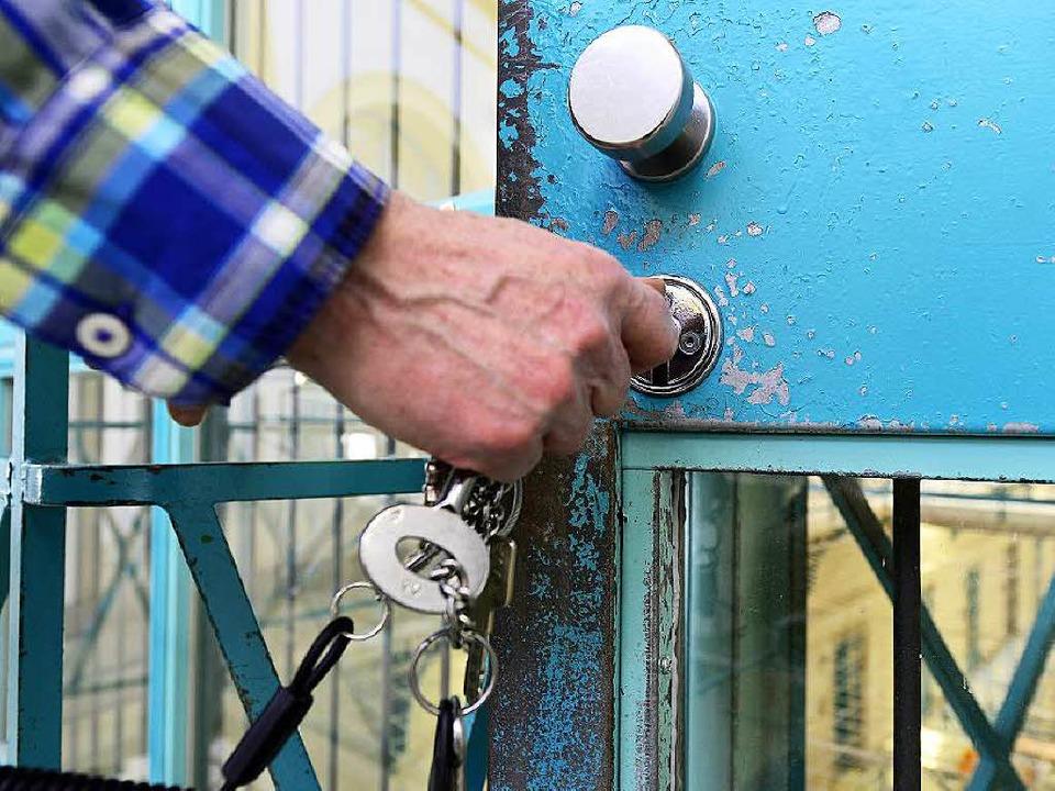 Alle Lockerungen für den 45-Jährigen w...griff am Wochenende sofort widerrufen.  | Foto: Ingo Schneider