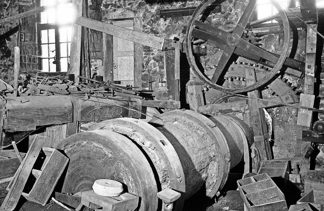 Wellbaum im Innenraum der Kienzlerschmiede 1965.    | Foto: Archivfoto: Foto Bank